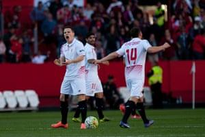 Kevin Gameiro and Sevilla celebrate.