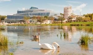 the artificial lake of Villages Nature Paris