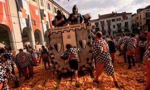 Battle of the oranges, Ivrea.