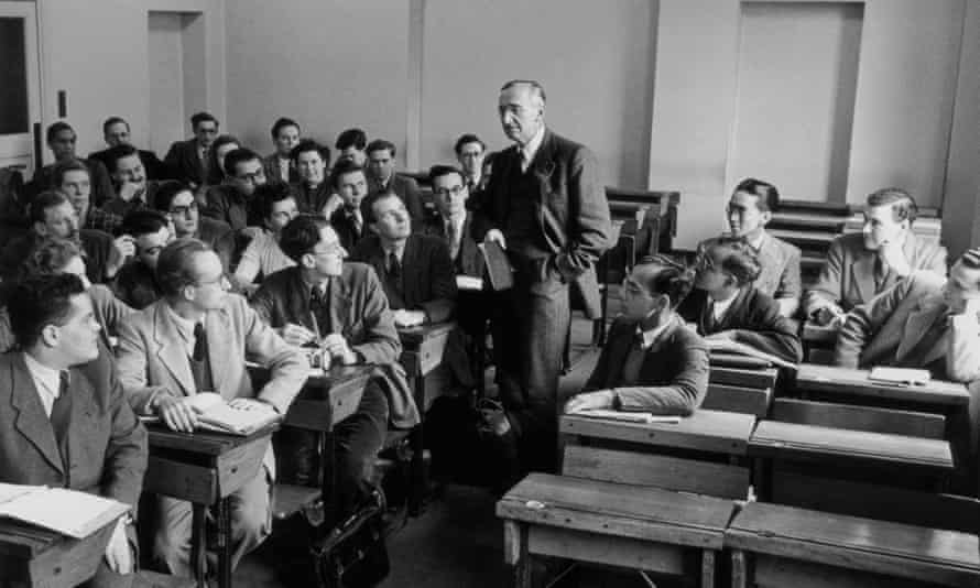 Economist Friedrich Hayek with students at the London School of Economics, 1948.