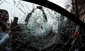 Washington DC police made a number of arrests, including of journalists, after protests against Donald Trump's inauguration on 20 January resulted in windows being smashed and other damage.