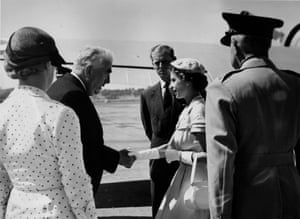 Robert Menzies bids farewell to the Queen at Canberra aerodrome in 1954
