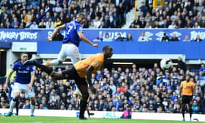 Richarlison at the double for Everton to snatch late win