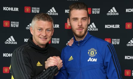 David de Gea, right, with manager Ole Gunnar Solskjær.
