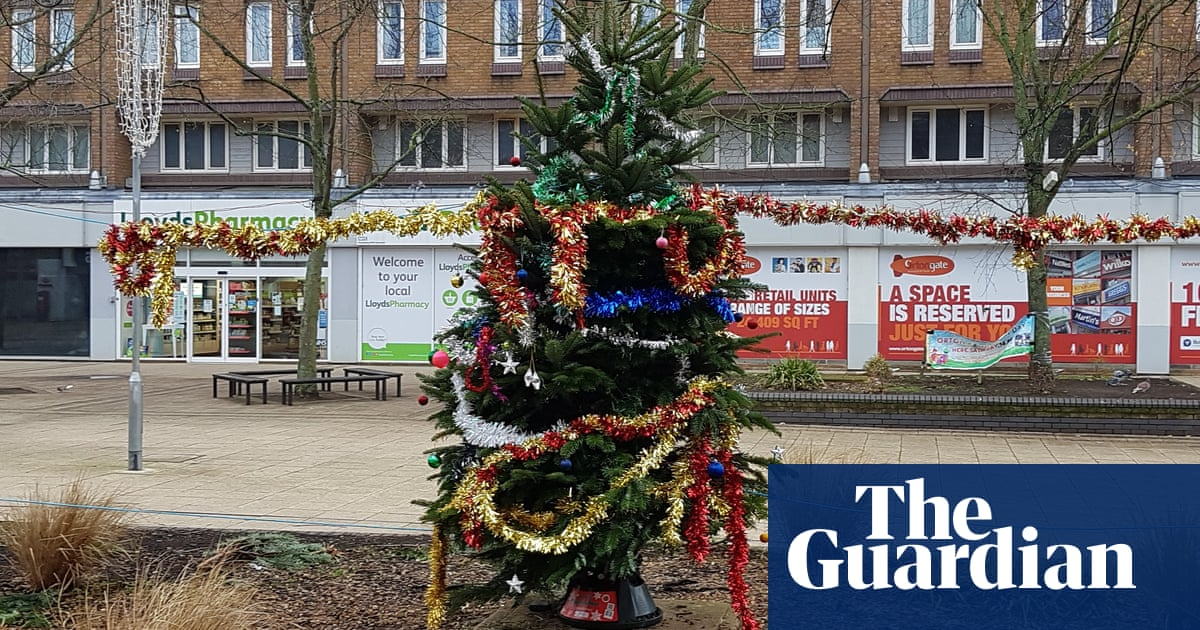 Birkdale Christmas Tree Lighting 2021 Fir Crying Out Loud 2018 S Most Underwhelming Christmas Trees Life And Style The Guardian