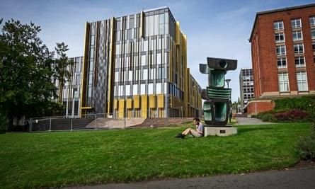 University of Birmingham: The new Library.