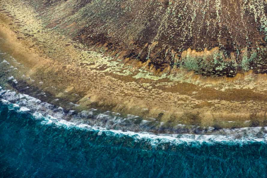 Lady Elliot Island, at the southern end of the Great Barrier Reef, at low tide when the corals can be seen.