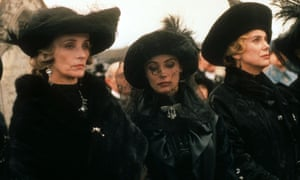 Marie-France Pisier, Emmanuelle Beart and Catherine Deneuve in Le Temps Retrouvé (1999).