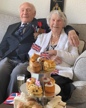 Second World War veteran Cyril Gillard and his wife Betsy celebrating VE Day 75 years on.