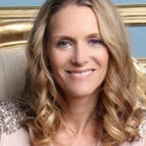 Rhiannon Davies, parent