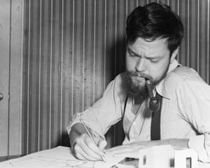 Orson Welles sketching