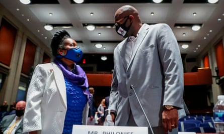 Philonise Floyd with Democratic congresswoman Sheila Jackson Lee at Wednesday's hearing.