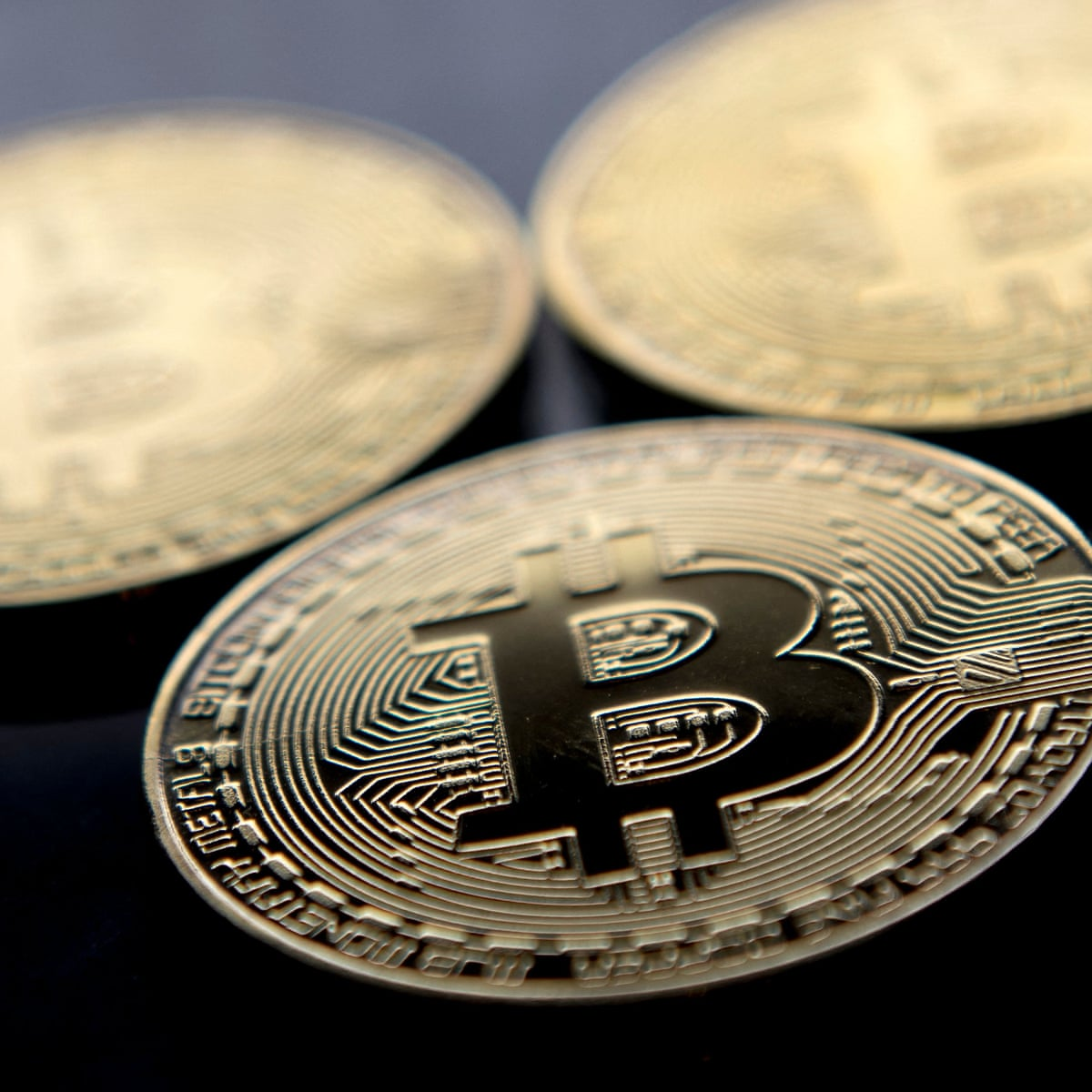 uždirbti pinigus prekybos bitcoins ai kripto prekybininkas