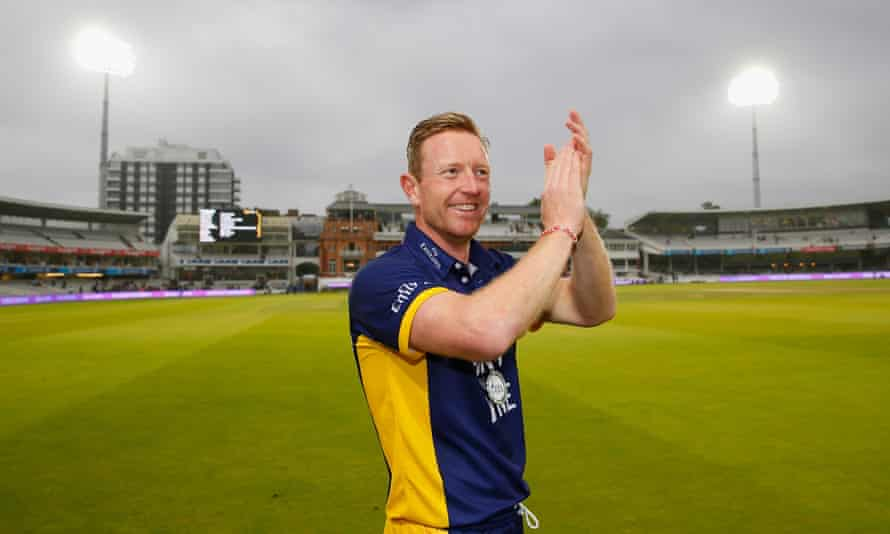 Paul Collingwood is still playing for Durham at the age of 41 and will be the only English player in the World XI for the series in Pakistan.