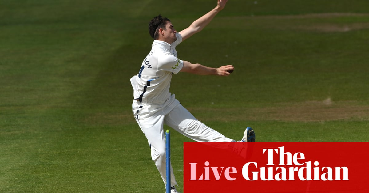 Yorkshire v Sussex, Essex v Notts and more: county cricket day one – live!