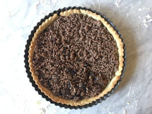 Dale's half-and-half take on the Spruce Eats' beef-mince pie