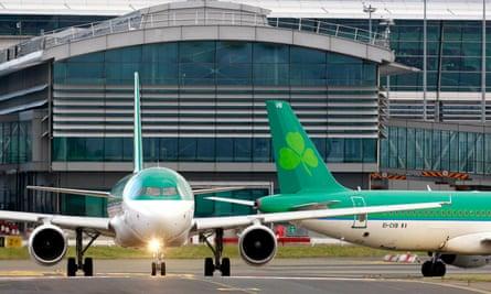 Aer Lingus planes taxi at Dublin airport