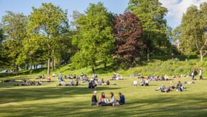 A warm June evening in Kelvingrove Park in the West End of Glasgow