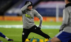 Jamie Vardy of Leicester City warms up.