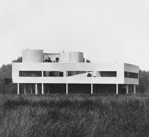 Le Corbusier: Villa Savoye, Poissy, France, 1929.