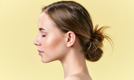 Mewing claims to non-surgically shape the jawline and face.