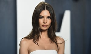 Emily Ratajkowski arrives at the Vanity Fair Oscar party on Sunday 9 February 2020 in Beverly Hills. (Photo by Evan Agostini/Invision/AP)