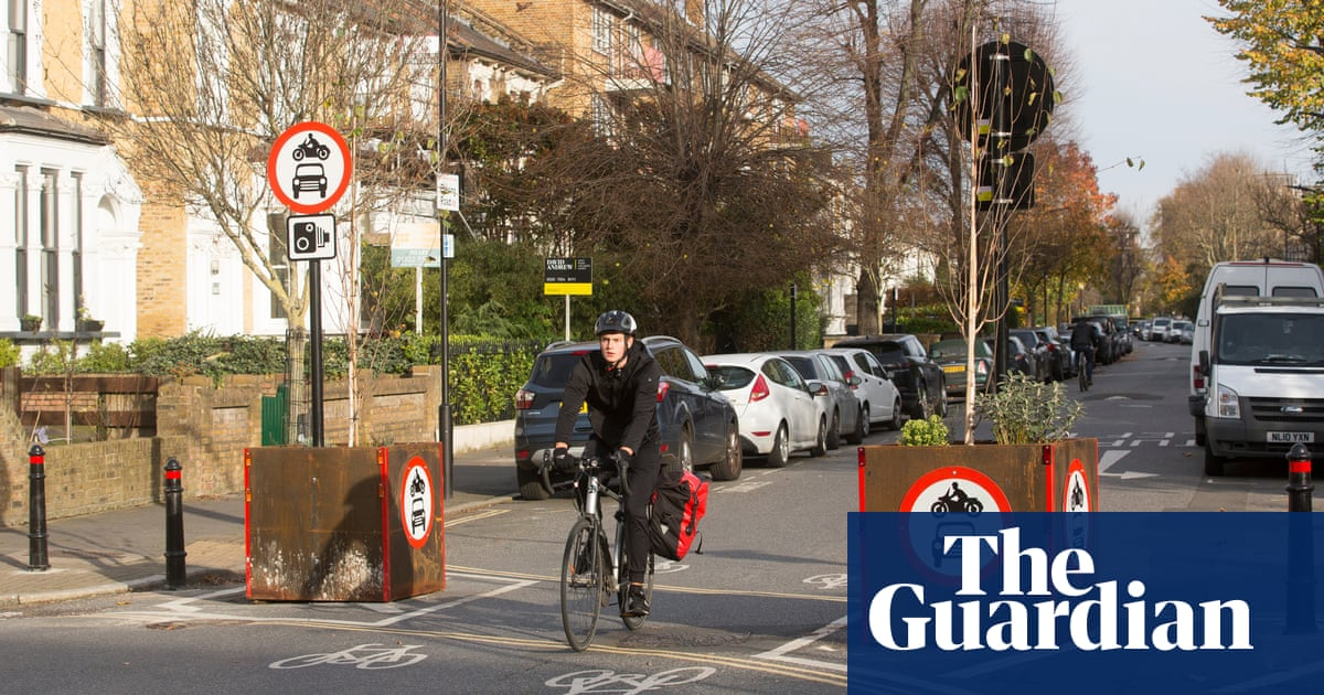 Low-traffic schemes halve number of road injuries, study shows