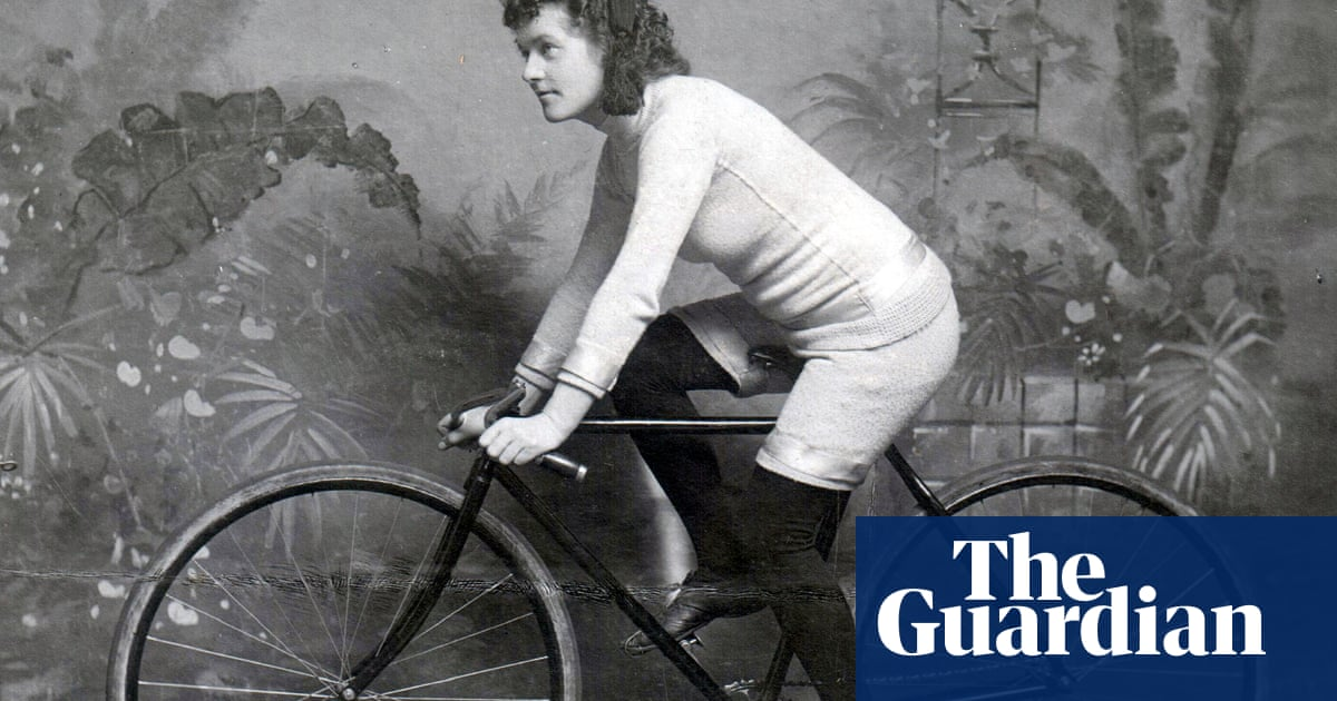 'It was a spectacle': the forgotten era of women's bicycle racing