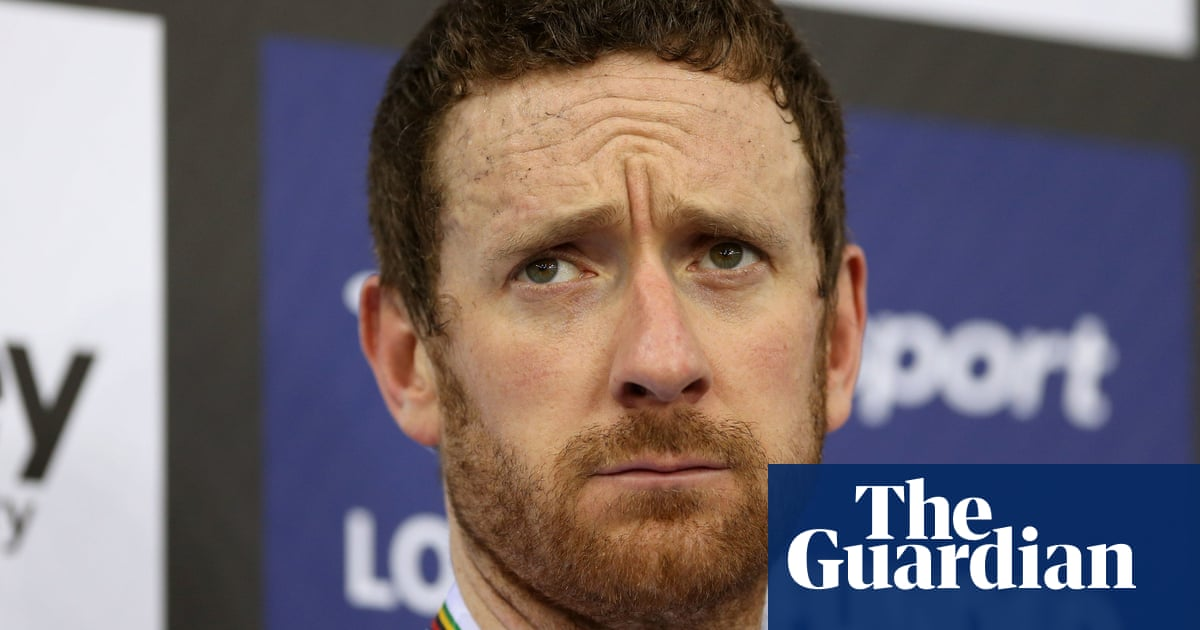 Bradley Wiggins winds up two cycling firms with £1m-plus debts