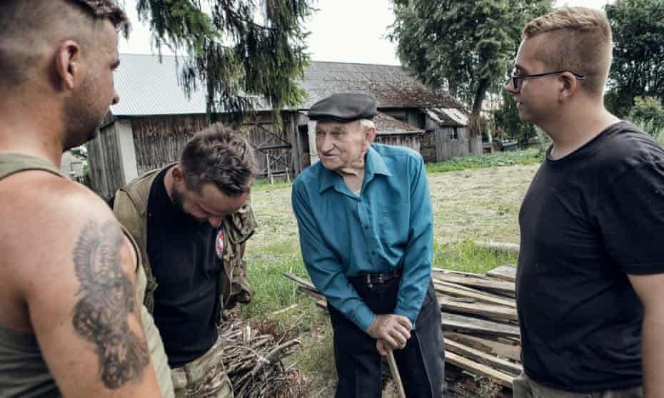 Then and now: chatting with Jan Demczuk, a farmer who lived through the Second World War.