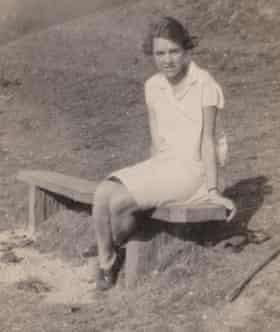 Doreen Bates as a young woman.