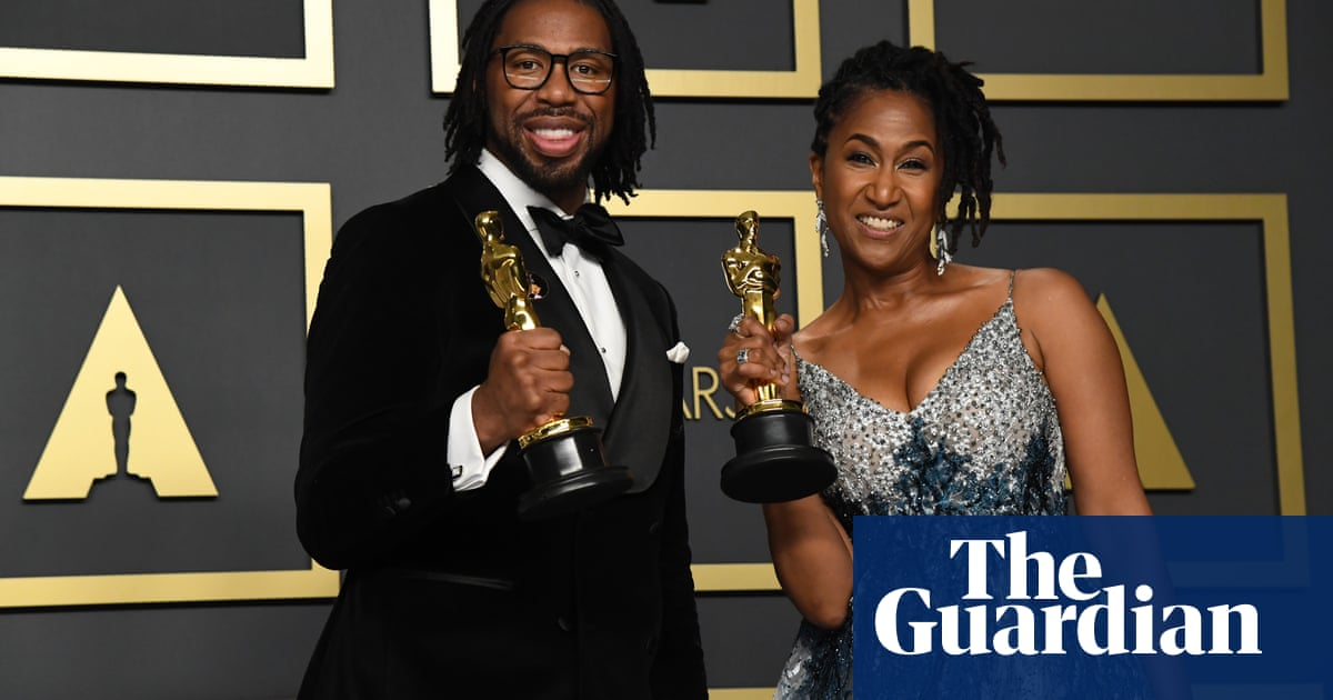 Former NFL player scoops Oscar eight years after predicting he would win award