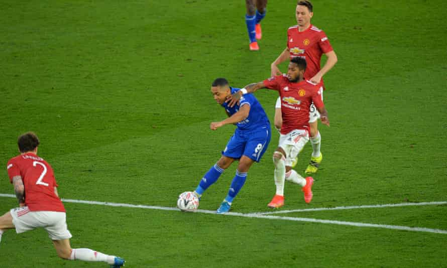 Youri Tielemans regains the lead for Leicester.