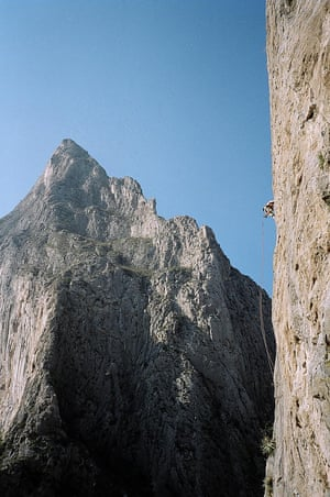 El Sendero Luminoso face on El Ptrero Chico in Mexico where Brad Gobright fell to his death.