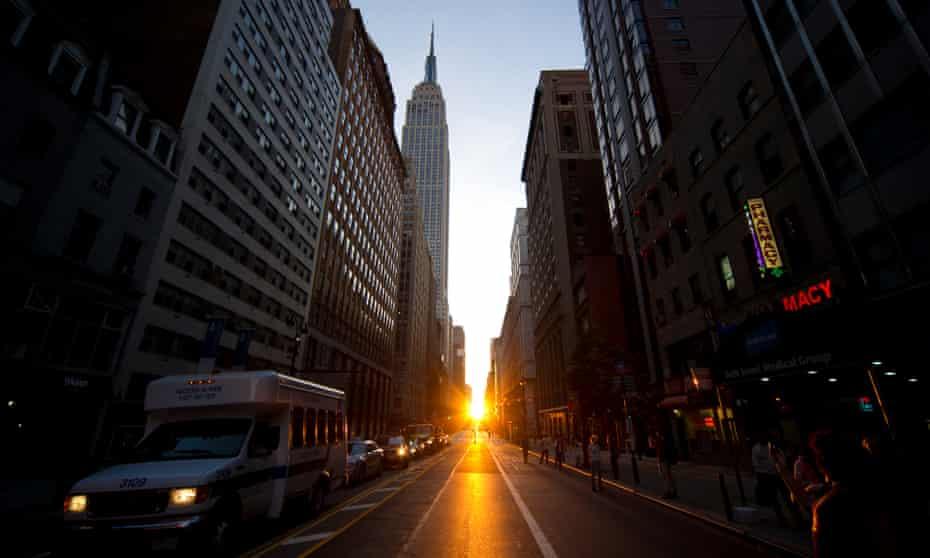 Manhattanhenge illuminates New York's 34th Street.