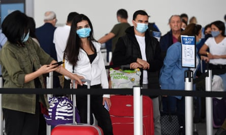 Covid fears grow after reports of crowding among arrivals at UK airports |  Transport policy | The Guardian