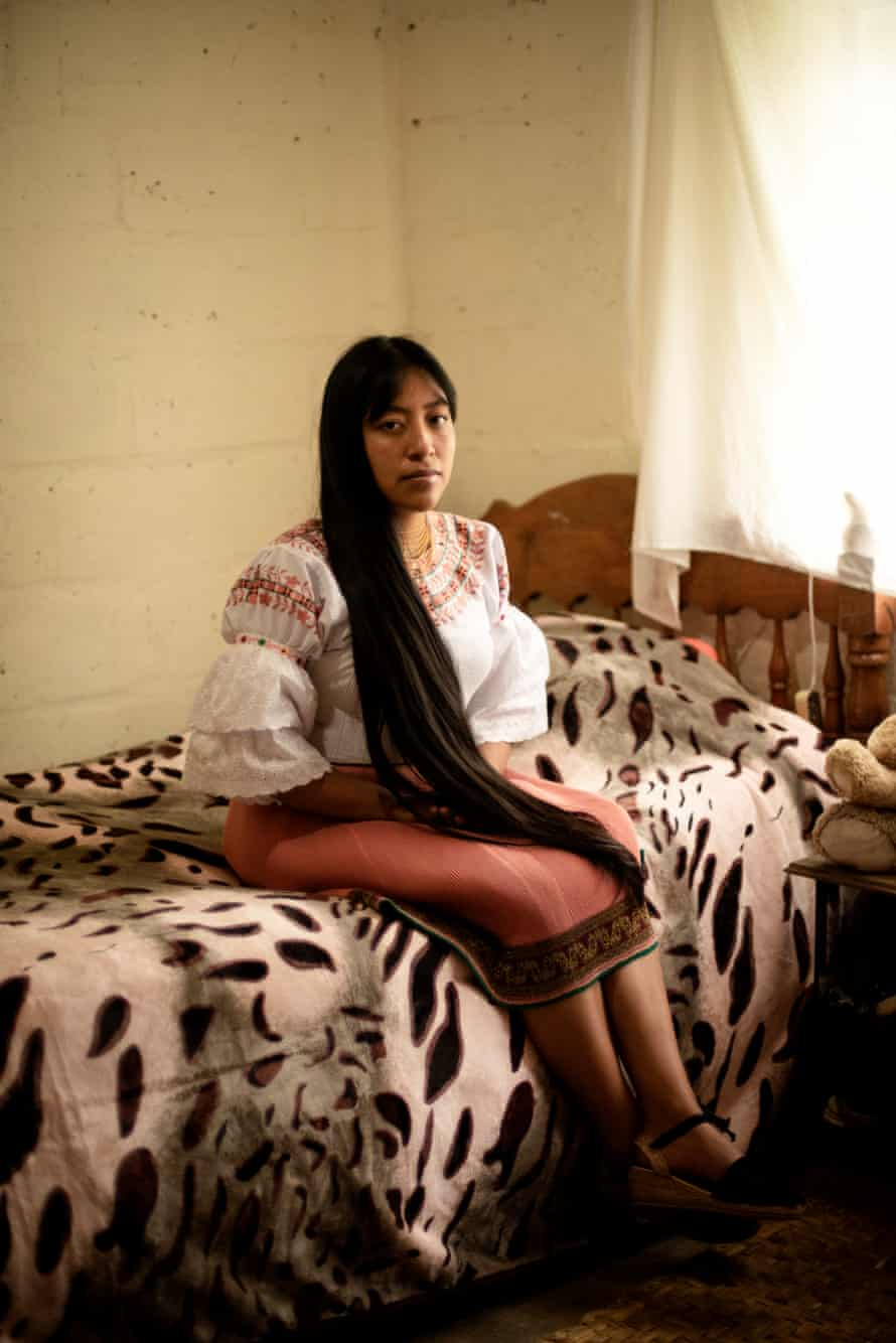 Katherine Pupiles is a communitarian teacher and physiology student at Quito University. She returned to the San Clemente community when the pandemic began. She is one of the five youth indigenous that opened a communitarian education space into the school