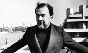 Peter Hall outside the National Theatre in 1976