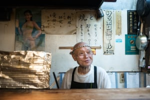 Now 83, the owner of this bar in Nerima city left his native Kyushu at the age of 14 to train and work as a French chef in Sapporo and Tokyo