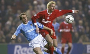 Anthony Le Tallec clashes with Paul Bosvelt in 2004.