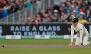 Substitute fielder Sam Curran looks rueful after dropping the Australia captain, Tim Paine, on an afternoon when little went right for England.