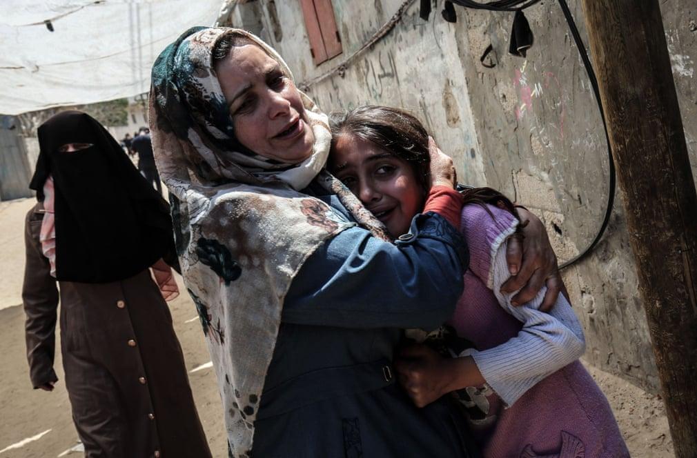 تشیع جنازه کودکی در نوار غزه