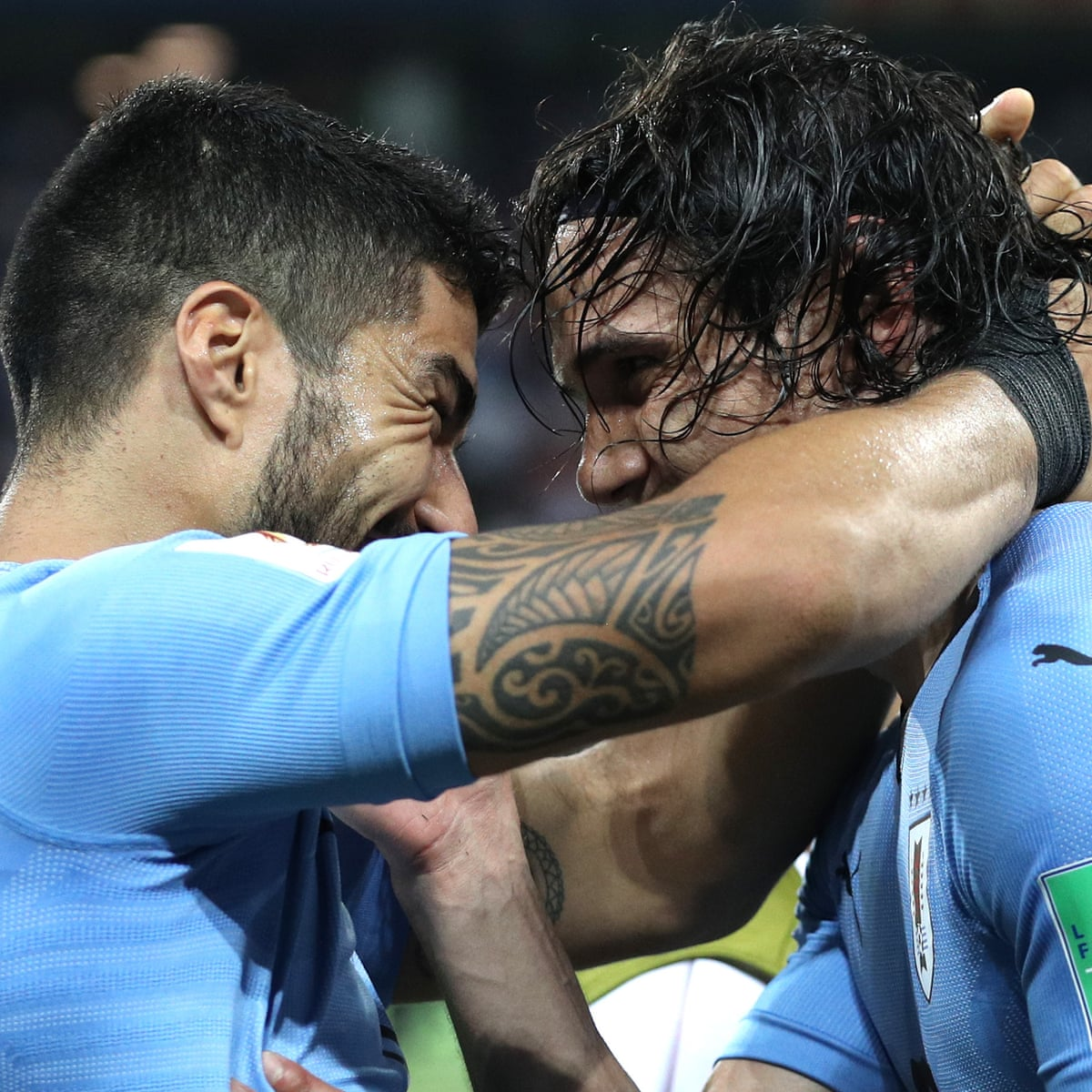 Synchronised Brilliance From Edinson Cavani And Suarez Gives Uruguay Hope Football The Guardian