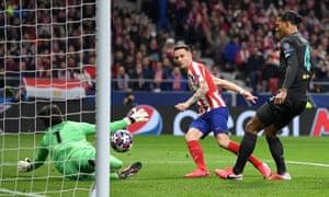 Saúl Ñíguez scores against Liverpool
