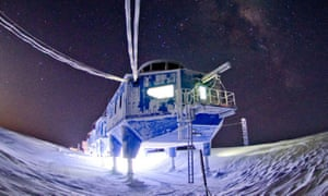 Halley VI research station, situated on the Brunt ice shelf.