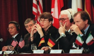 Attorney general Janet Reno, center, hosts justice and interior ministers from around the world, including the UK's Jack Straw (second left) during a conference on 10 December 1997 to discuss coordinating efforts to combat the use of computer technology by international criminals.