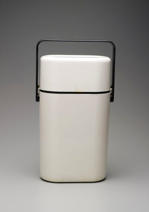 1979 Décor BYO wine carrier.