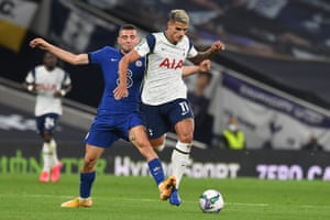Chelsea's Mateo Kovacic (left) tackles Tottenham Hotspur's Erik Lamela.