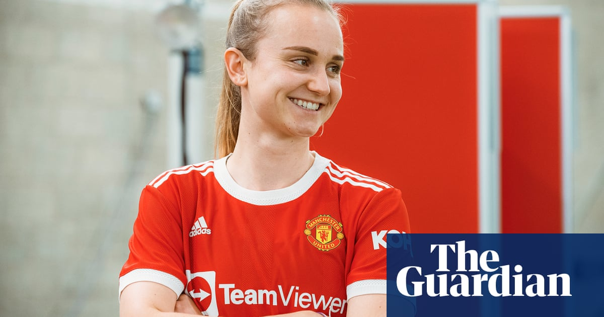 Manchester United sign Scotland's Martha Thomas on two-year deal