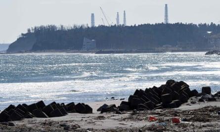 Cranes over the Fukushima Daiichi nuclear power plant in February 2016